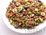 Рецепта Френска салата с леща, маслини и сушени домати